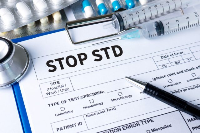 Chlamydia in men - Both new partners are advised to undergo STI tests