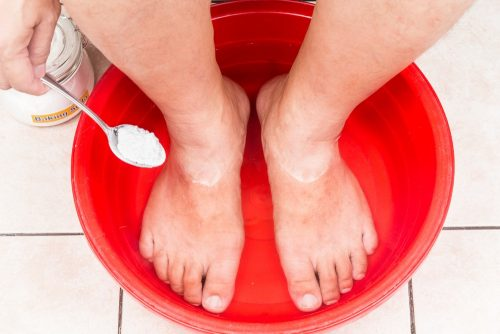 Foot rash: Baking soda bath